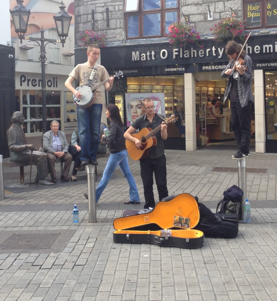 Galway pole musicians